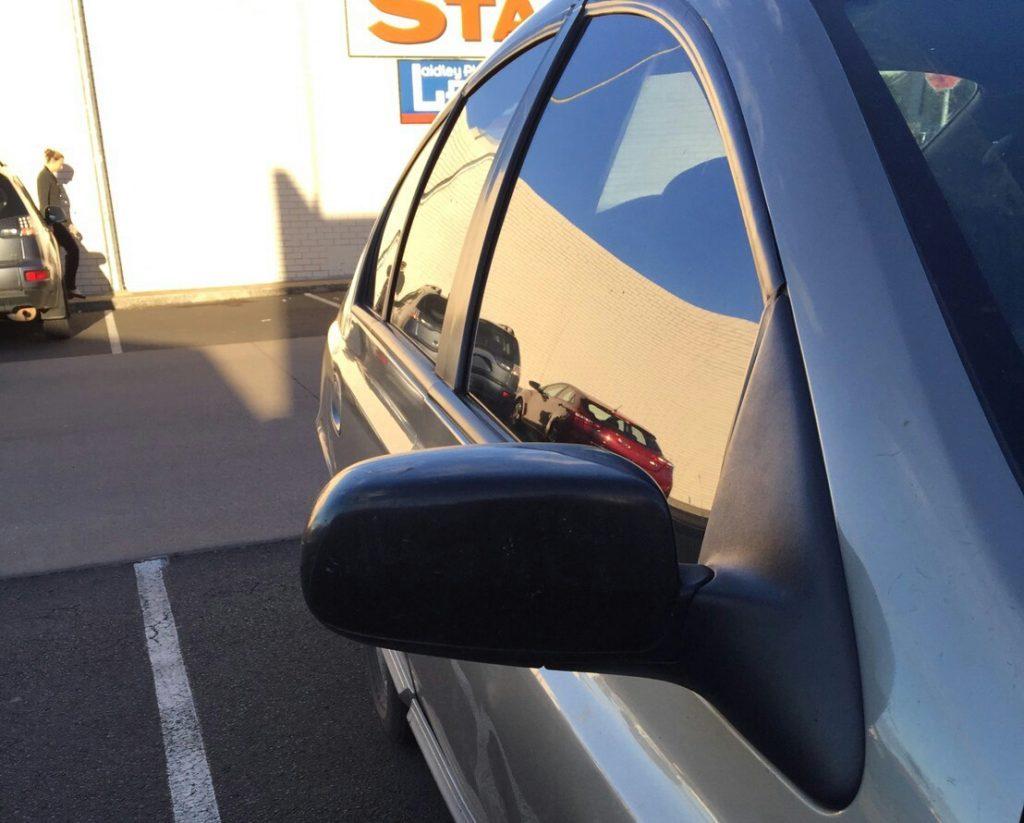 オーストラリア 車修理